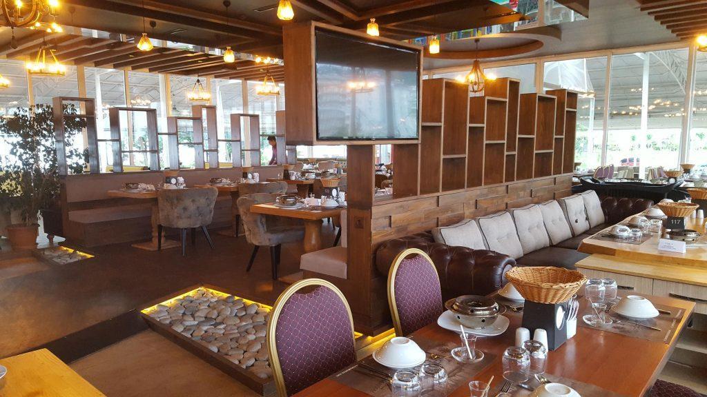 Rize Yakamoz Et ve Balık Restoranı Ahşap Restoran Tasarımı