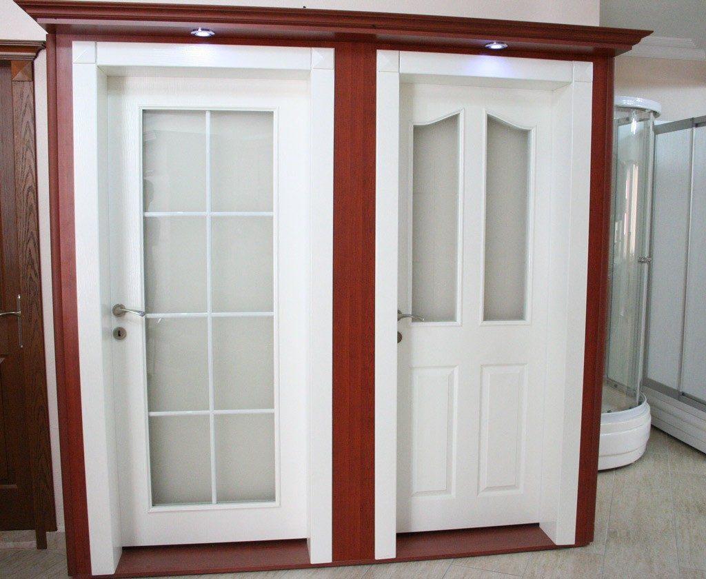 Beyaz Camlı Bölmeli Amerikan Ahşap Kapı Modeli ve Fiyatı