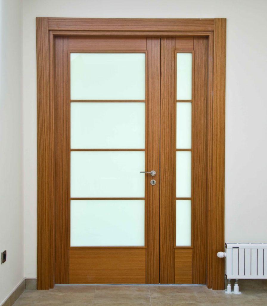 Camlı Kanatlı İkili Ahşap Kapı Modeli ve Fiyatı