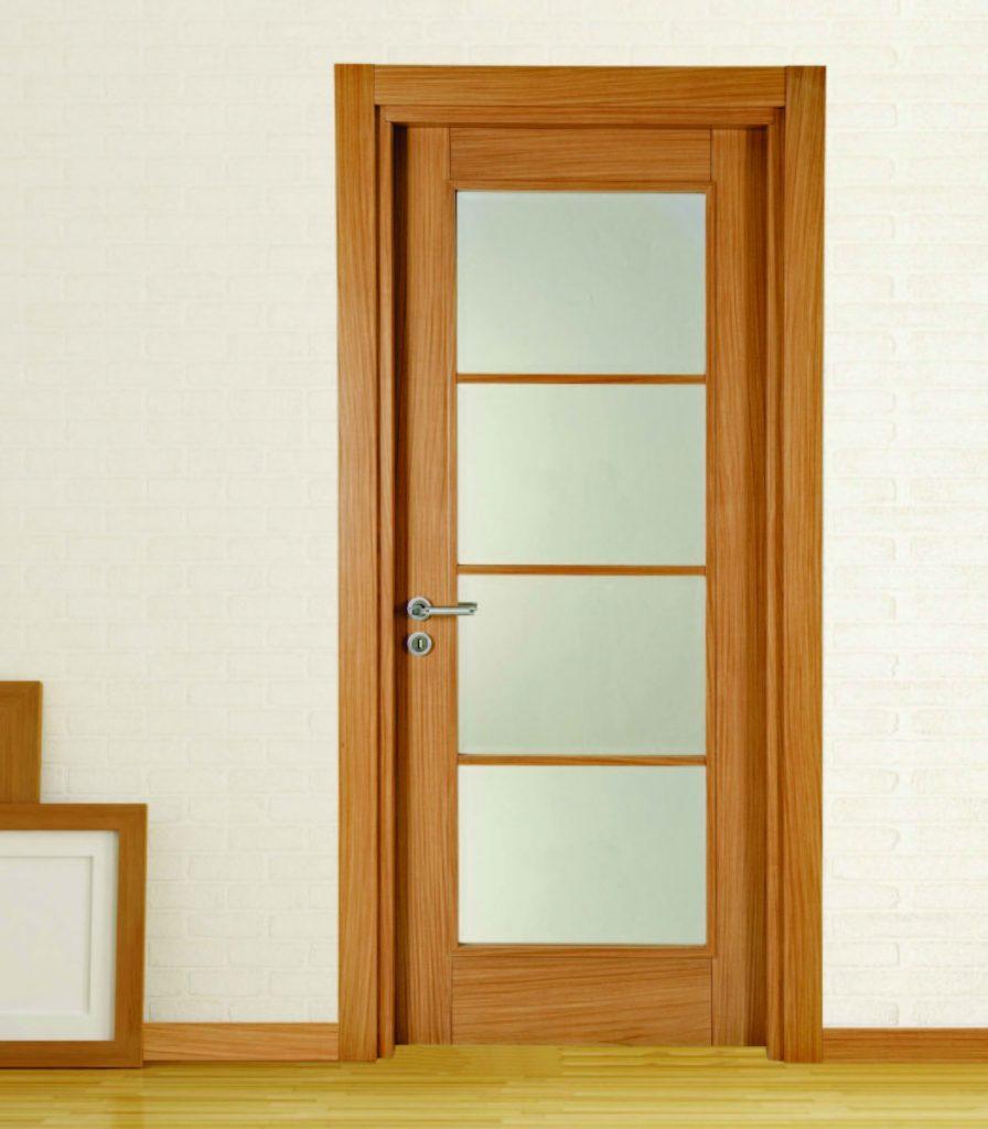 Camlı 4 Bölmeli Ahşap Kapı Modeli ve Fiyatı